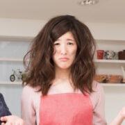 髪の膨らみを抑える方法