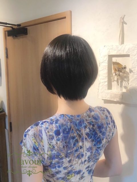 丸みのある縮毛矯正で理想のショートヘアに