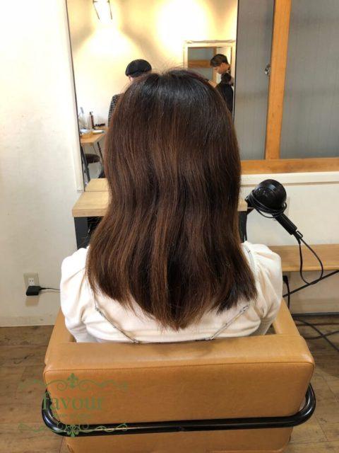 ダメージ毛に縮毛矯正をかける ノンアルカリ縮毛矯正のビフォア