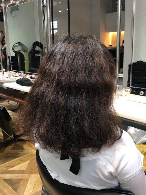 クセが強いので末広がりに膨らんでしまうくせ毛
