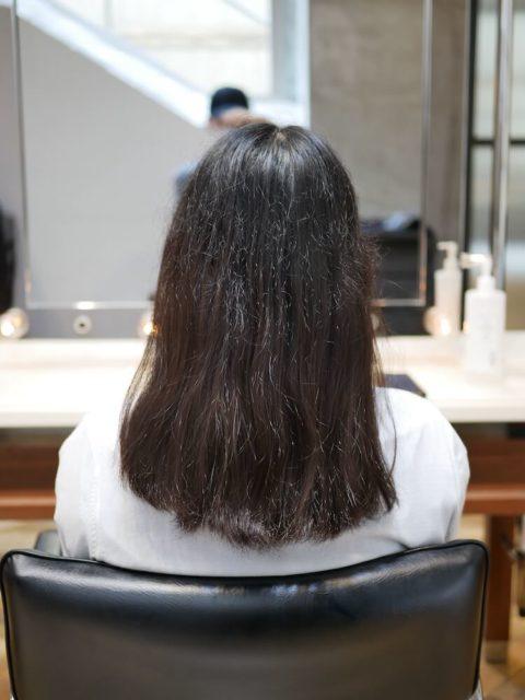 チリチリとアホ毛が出てしまうくせ毛